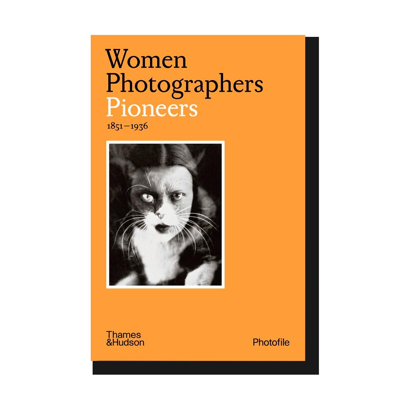 Women Photographers: Pioneers