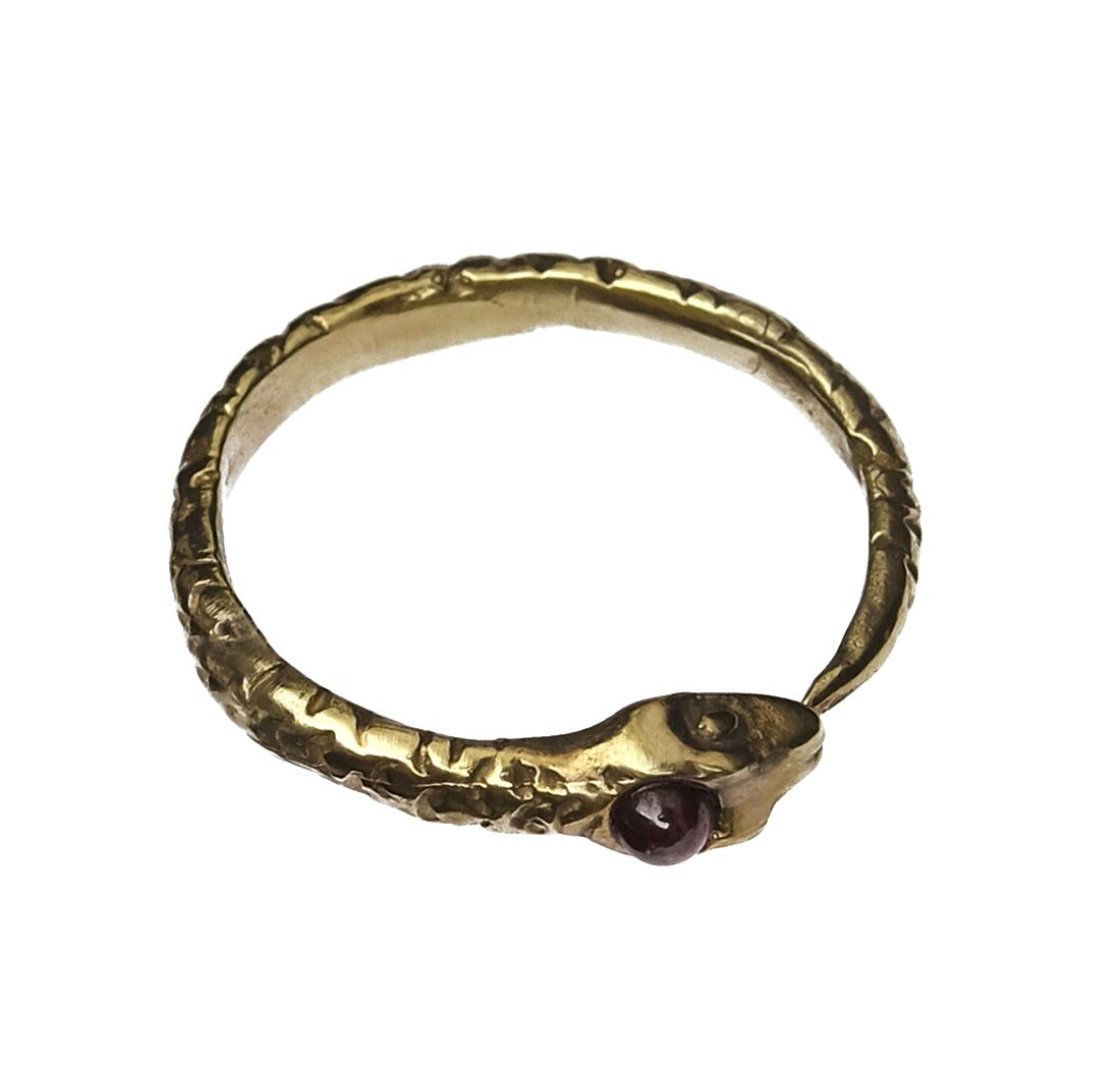 Snake ring with amethyst or garnet
